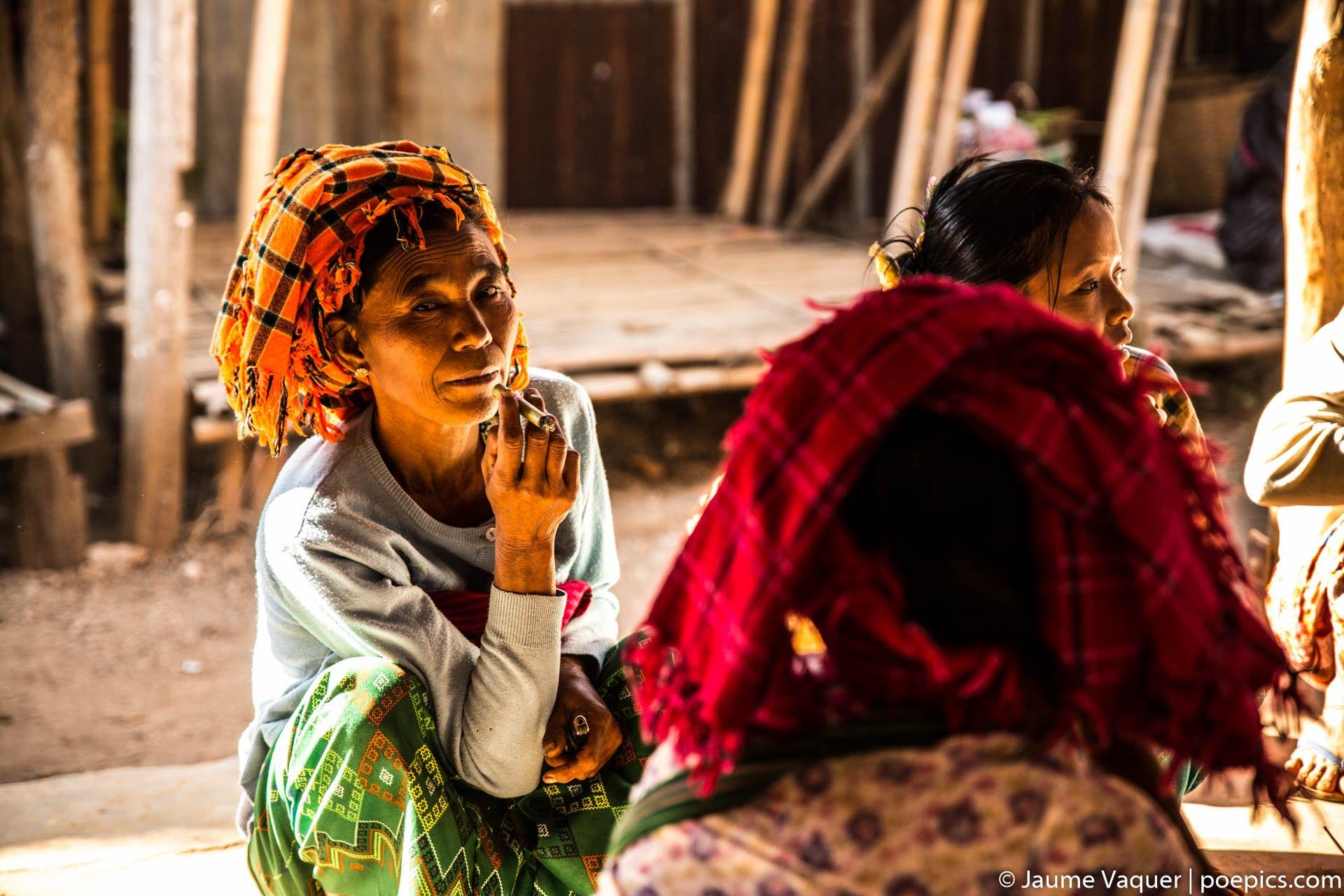 Women of Myanmar (Burma), Inle Lake