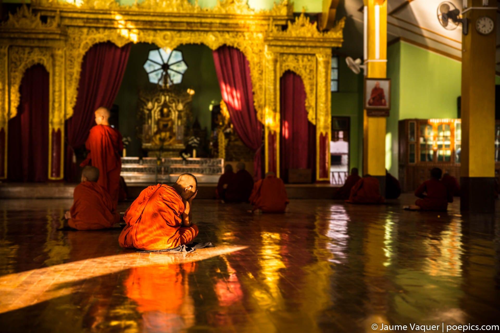Budhist novice monks at class, Inle Lake, Myanmar (Burma)